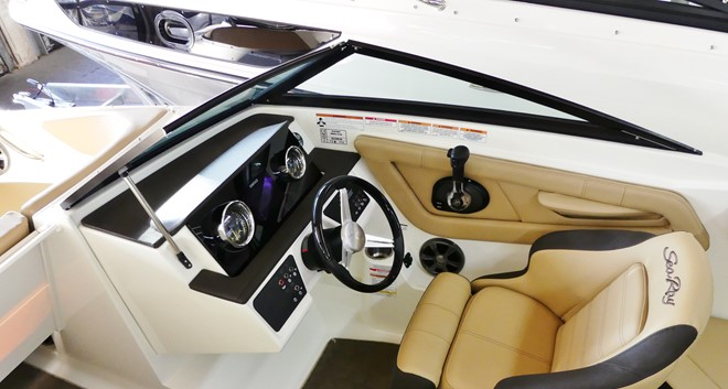 Komplettangebot: Sea Ray 210 SPXE mit Trailer Modell 2019